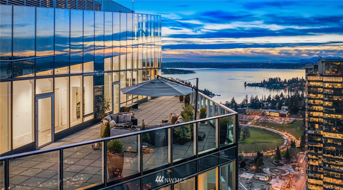 10700 4th St, Bellevue, Washington 98004, 4 Bedrooms Bedrooms, ,3 BathroomsBathrooms,Residential,For Sale,4th St,NWM1798939