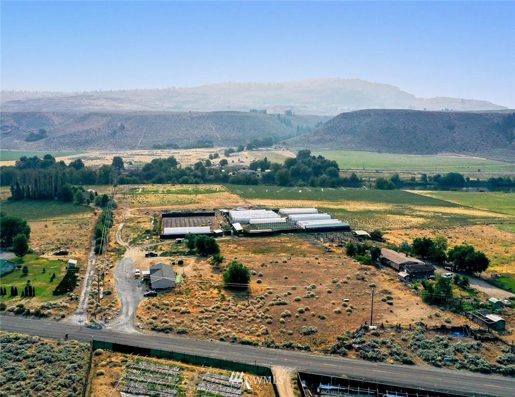 221 Omak River Road, Omak, Washington 98841, 4 Bedrooms Bedrooms, ,2 BathroomsBathrooms,Farm,For Sale,Omak River,NWM1809112