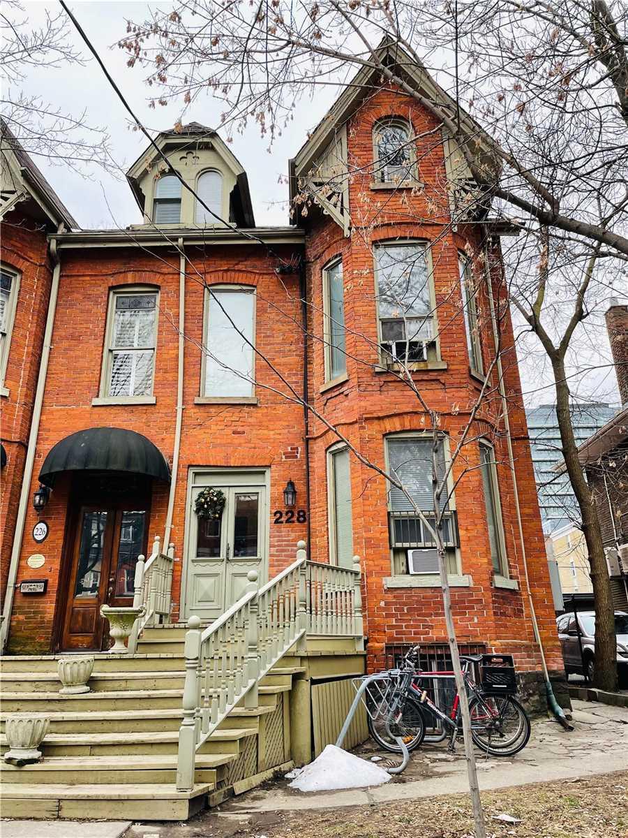 228 Beverley St, Toronto, Ontario M5T1Z3, 9 Bedrooms Bedrooms, 13 Rooms Rooms,12 BathroomsBathrooms,Semi-detached,For Sale,Beverley,C5307567