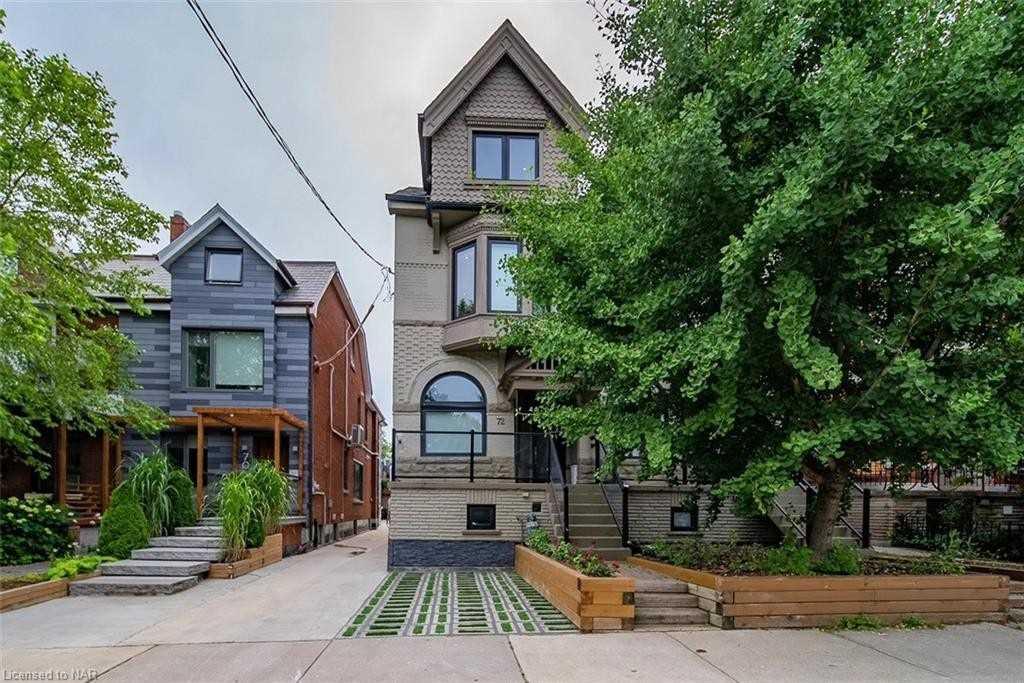 72 Concord Ave, Toronto, Ontario M6H2P1, 4 Bedrooms Bedrooms, 12 Rooms Rooms,5 BathroomsBathrooms,Semi-detached,For Sale,Concord,C5311536