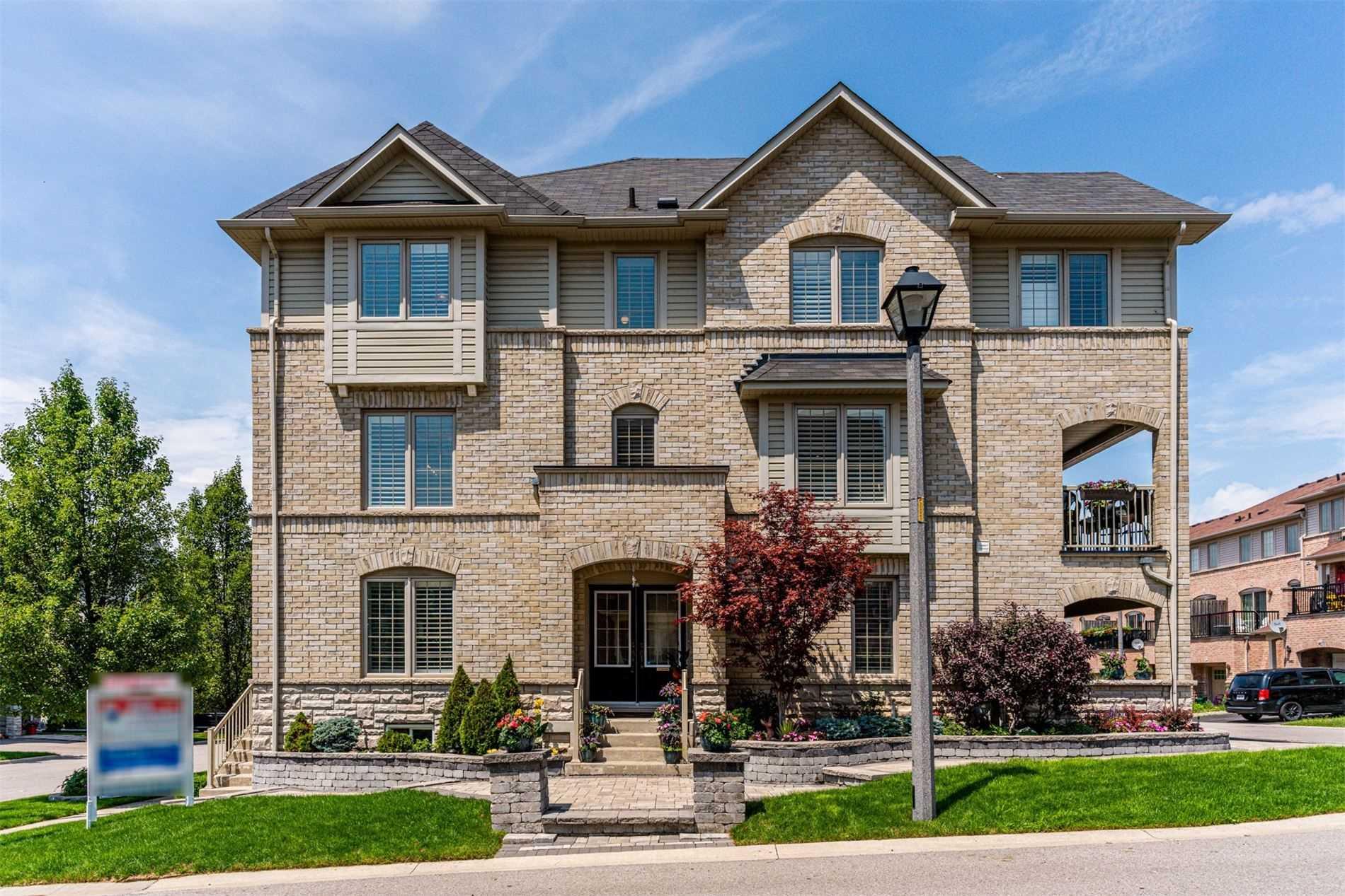 23 Hesketh Rd, Ajax, Ontario L1Z 0K6, 3 Bedrooms Bedrooms, ,3 BathroomsBathrooms,Att/row/twnhouse,For Sale,Hesketh,E5307648