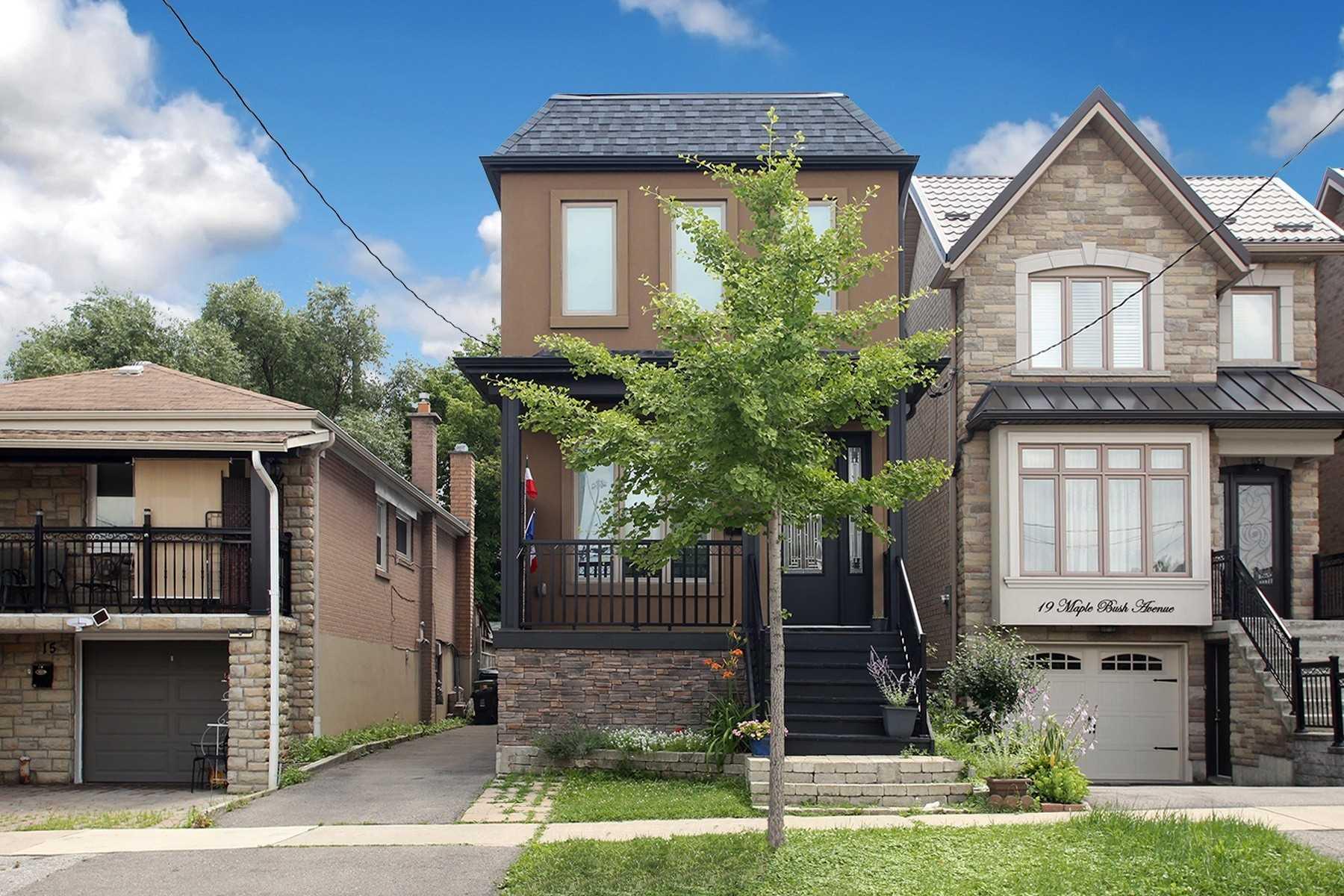 17 Maple Bush Ave, Toronto, Ontario M9N1S7, 4 Bedrooms Bedrooms, 8 Rooms Rooms,4 BathroomsBathrooms,Detached,For Sale,Maple Bush,W5306789