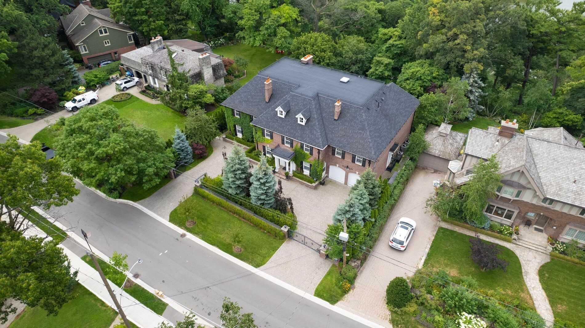 Detached house For Sale In Toronto - 246 Riverside Dr, Toronto, Ontario, Canada M6S4A9 , 6 Bedrooms Bedrooms, ,7 BathroomsBathrooms,Detached,For Sale,Riverside