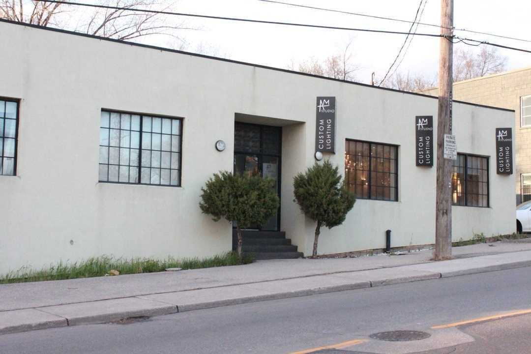 Commercial/retail For Sale In Toronto , ,2 BathroomsBathrooms,Commercial/retail,For Sale,Castlefield