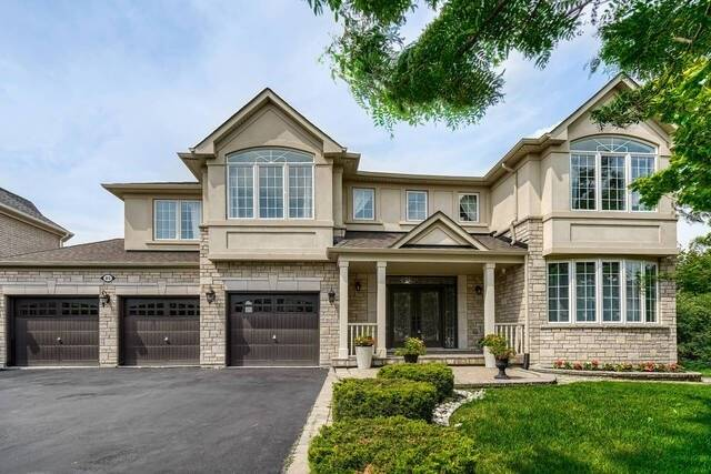 Detached house For Sale In Brampton