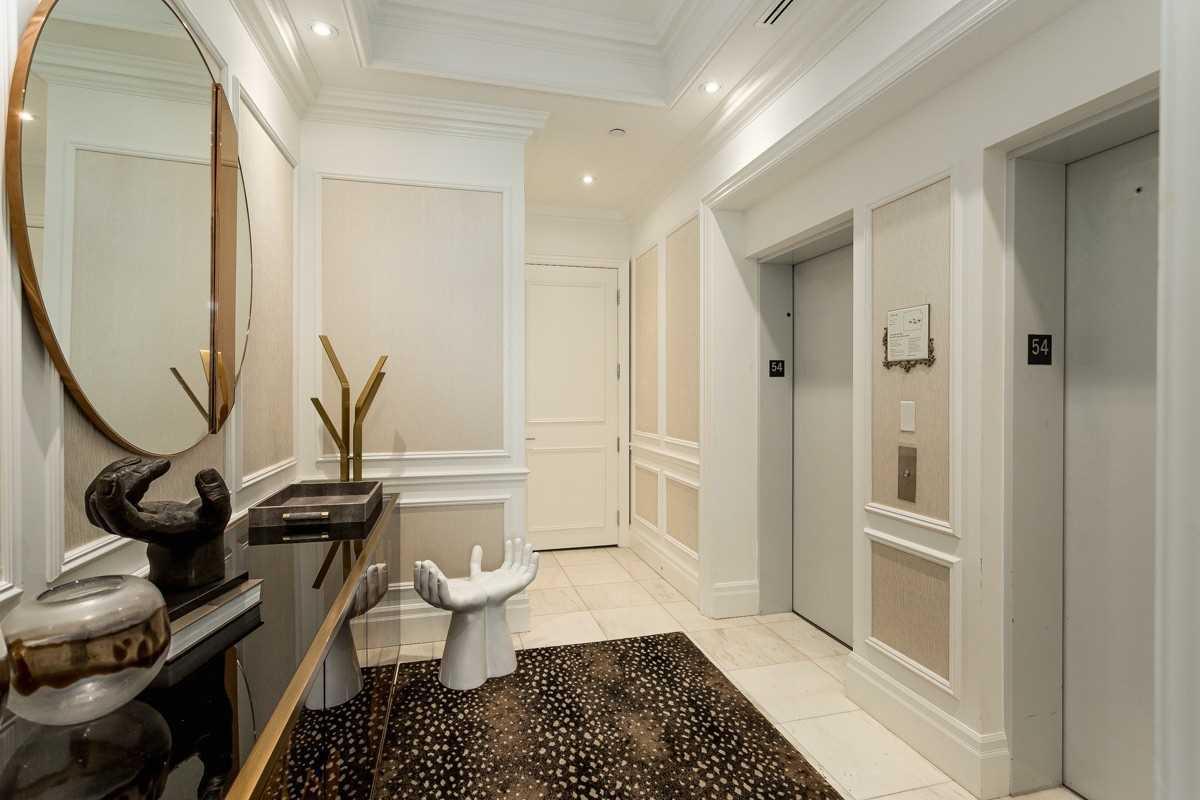 311 Bay St, Toronto, Ontario M5H 2R1, 2 Bedrooms Bedrooms, 6 Rooms Rooms,3 BathroomsBathrooms,Condo Apt,For Sale,Bay,C5313877