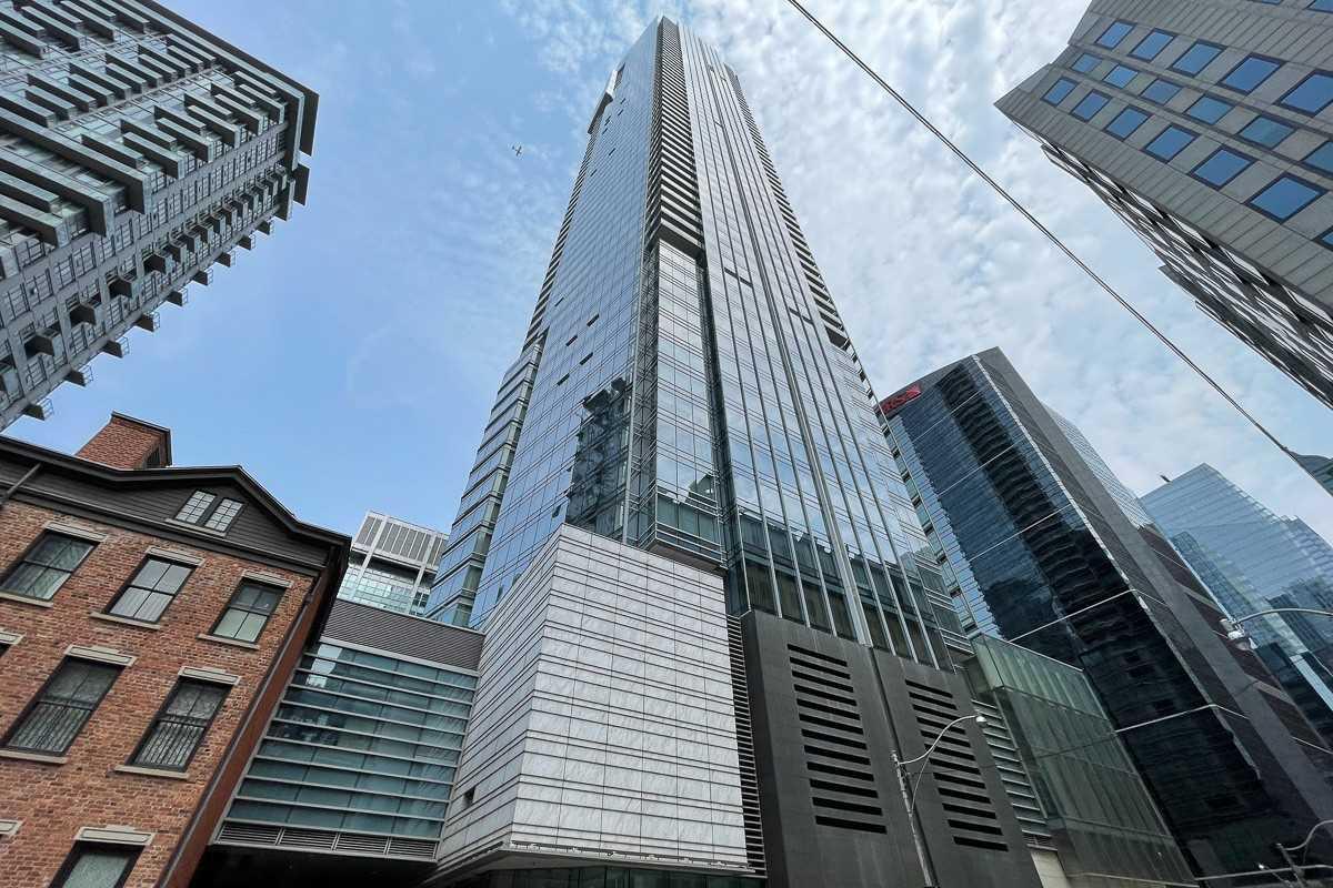 Condo Apt For Sale In Toronto