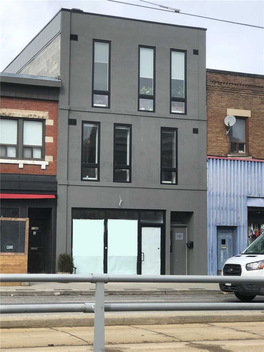 Store W/apt/offc For Lease In Toronto , 2 Bedrooms Bedrooms, ,1 BathroomBathrooms,Store W/apt/offc,For Lease,Upper B,St Clair