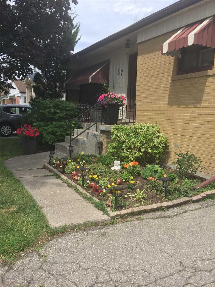 37 Coolhurst Dr, Toronto, Ontario M9W4A4, 3 Bedrooms Bedrooms, 6 Rooms Rooms,2 BathroomsBathrooms,Detached,For Sale,Coolhurst,W5315465