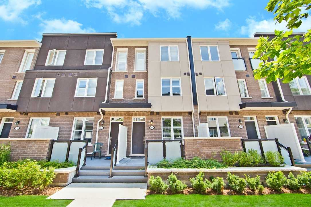 Condo Townhouse For Sale In Toronto , 3 Bedrooms Bedrooms, ,3 BathroomsBathrooms,Condo Townhouse,For Sale,4,Heron Park