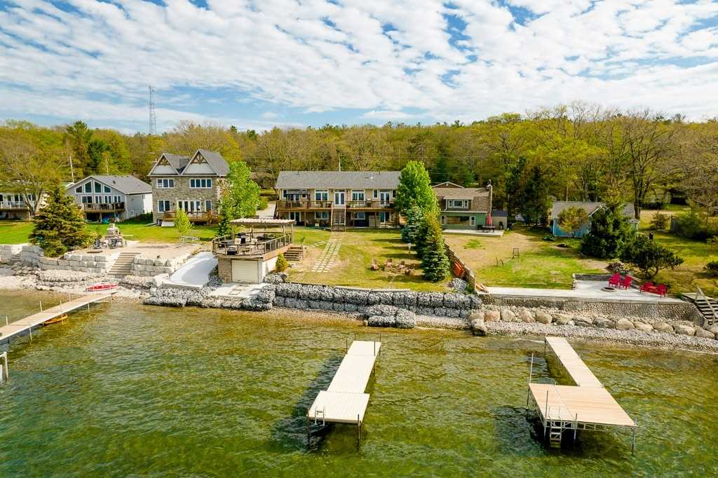 81 Beach Rd, Tiny, Ontario L9M 1R2, 2 Bedrooms Bedrooms, 6 Rooms Rooms,3 BathroomsBathrooms,Detached,For Sale,Beach,S5274531