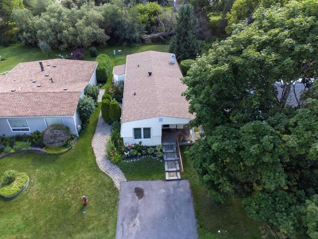 Detached house For Sale In Clarington - 15 Wheelhouse Dr, Clarington, Ontario, Canada L1B 1B9 , 2 Bedrooms Bedrooms, ,2 BathroomsBathrooms,Detached,For Sale,Wheelhouse