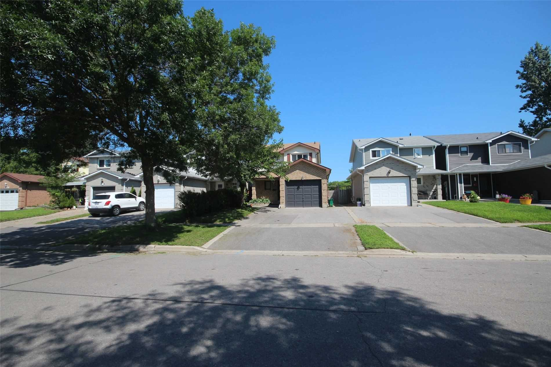 Detached house For Lease In Oshawa - 1546 Norwill Cres, Oshawa, Ontario, Canada L1G7T8 , 3 Bedrooms Bedrooms, ,3 BathroomsBathrooms,Detached,For Lease,Norwill