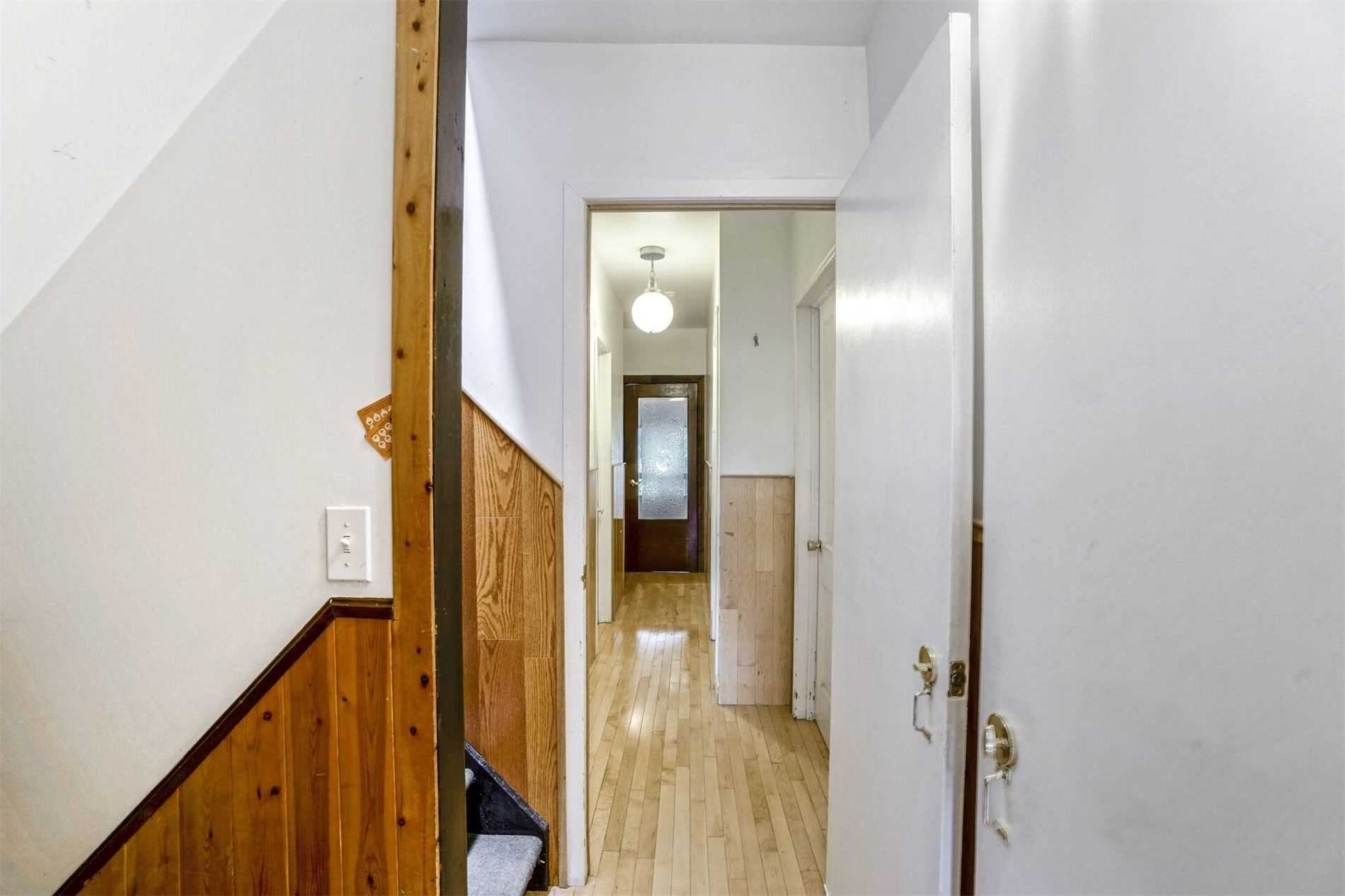 Detached house For Sale In Toronto - 90 Garden Ave, Toronto, Ontario, Canada M6R1H7 , 6 Bedrooms Bedrooms, ,6 BathroomsBathrooms,Detached,For Sale,Garden