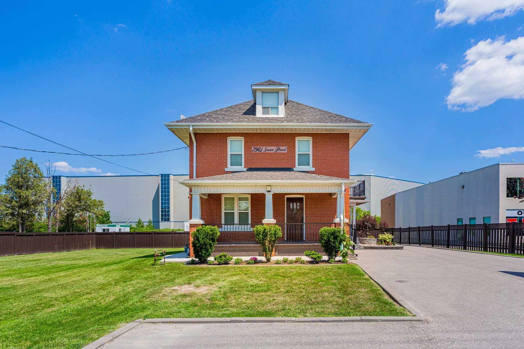 Detached house For Sale In Vaughan - 7961 Jane St, Vaughan, Ontario, Canada L4K2M7 , 4 Bedrooms Bedrooms, ,2 BathroomsBathrooms,Detached,For Sale,Jane