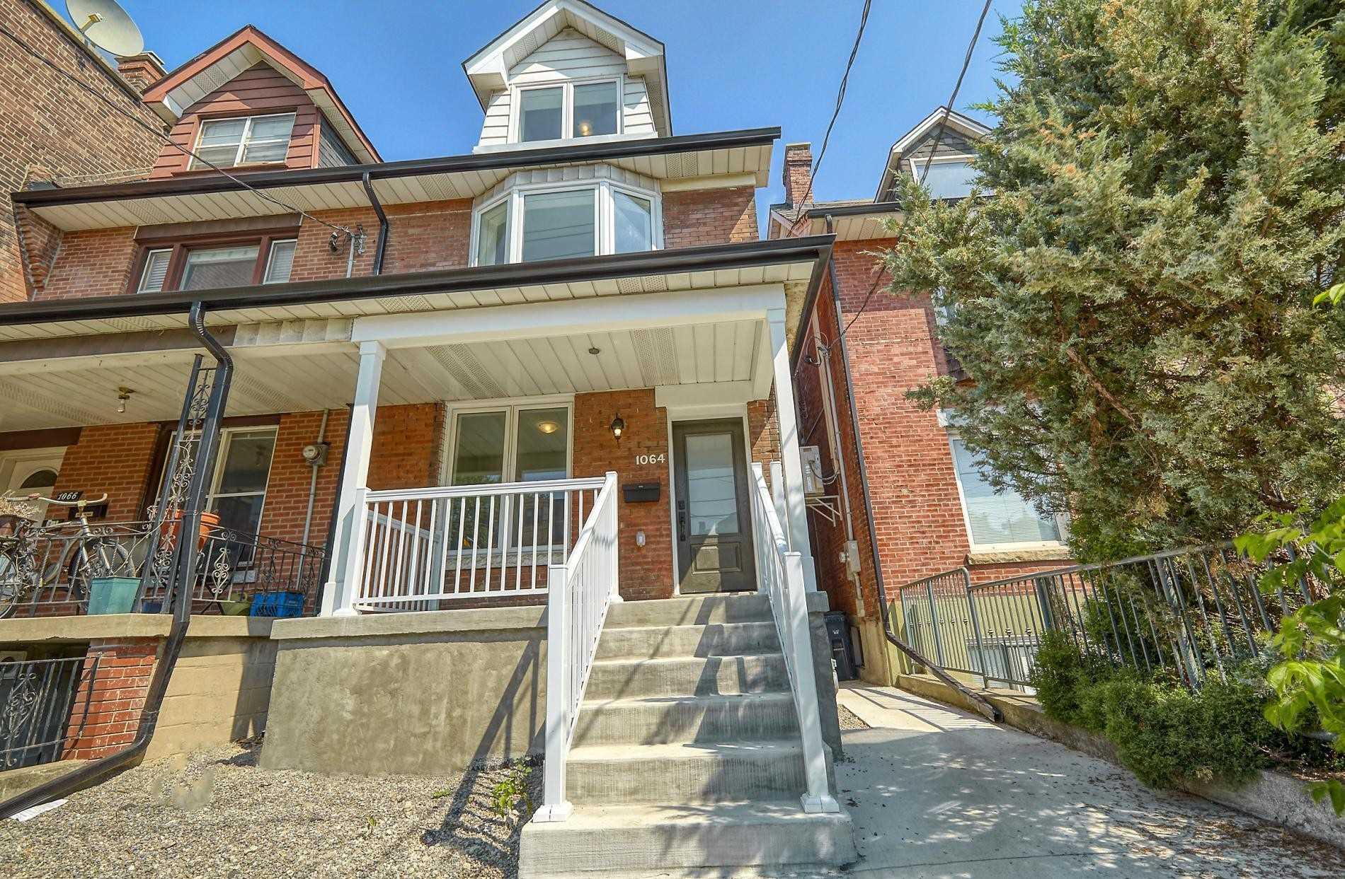 Semi-Detached For Sale In Toronto , 4 Bedrooms Bedrooms, ,4 BathroomsBathrooms,Semi-Detached,For Sale,College