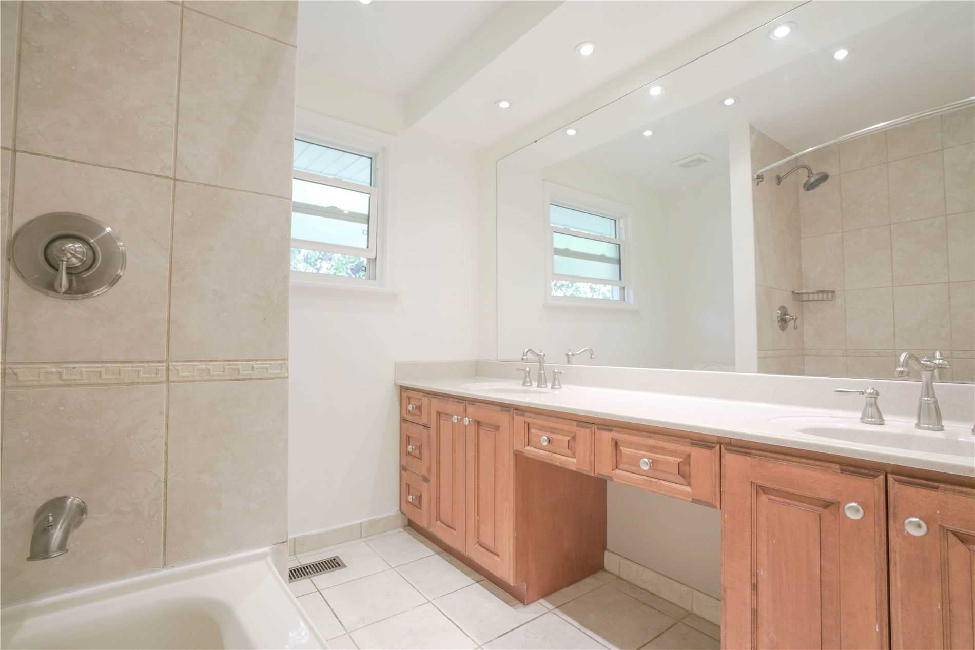 Detached house For Sale In Toronto - 25 Tollerton Ave, Toronto, Ontario, Canada M2K2H1 , 4 Bedrooms Bedrooms, ,3 BathroomsBathrooms,Detached,For Sale,Tollerton