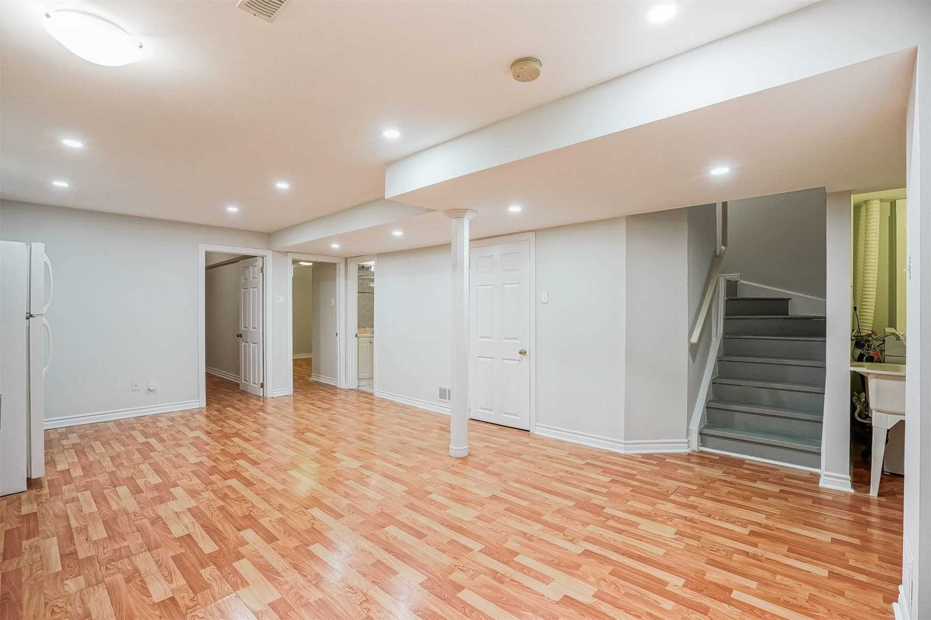 Detached house For Lease In Toronto - 183 Shepton Way, Toronto, Ontario, Canada M1V5N4 , 2 Bedrooms Bedrooms, ,1 BathroomBathrooms,Detached,For Lease,(Lower,Shepton