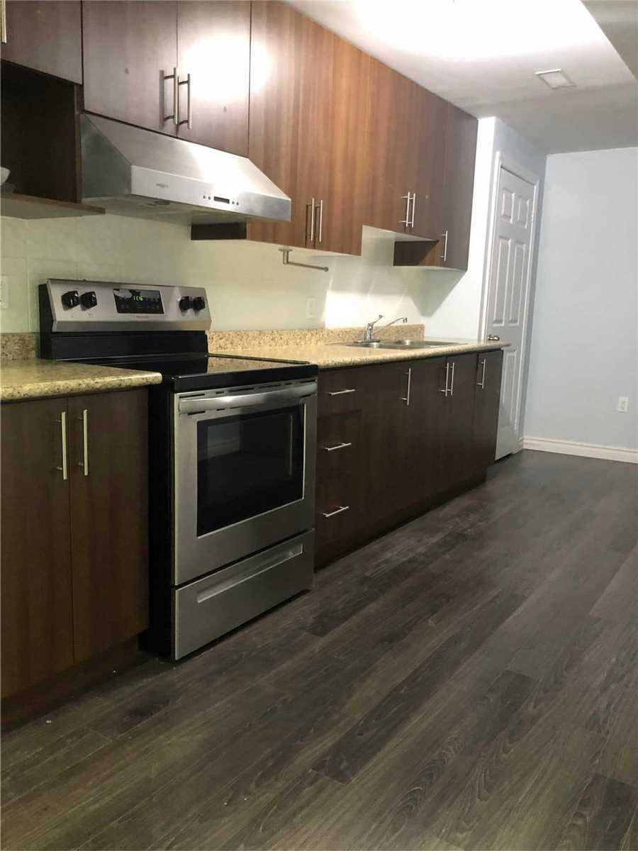 Detached house For Lease In Markham - 15 Berger Ave, Markham, Ontario, Canada L6B0B6 , 2 Bedrooms Bedrooms, ,2 BathroomsBathrooms,Detached,For Lease,Berger