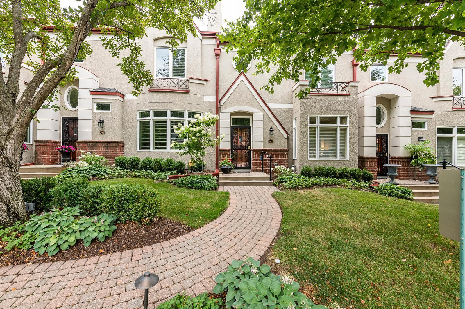 207 Coventry Court, Edina, Minnesota 55435, 2 Bedrooms Bedrooms, ,2 BathroomsBathrooms,Residential,For Sale,Coventry,NST6070497