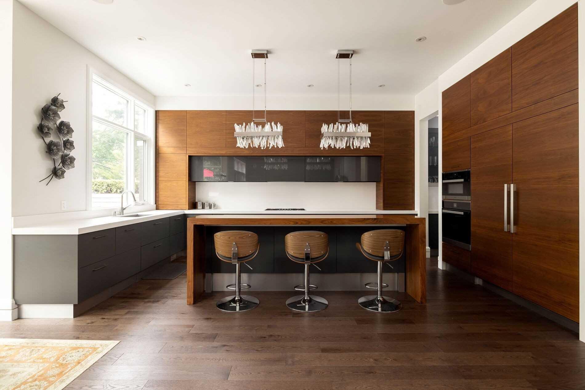 100 Chestnut Hills Pkwy, Toronto, Ontario M9A3R3, 4 Bedrooms Bedrooms, 10 Rooms Rooms,6 BathroomsBathrooms,Detached,For Sale,Chestnut Hills,W5320621