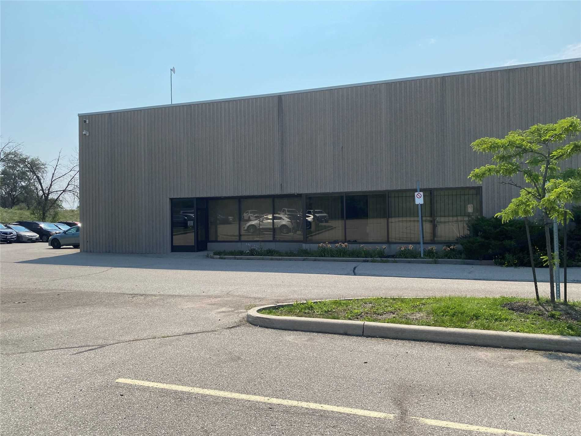 Commercial/retail For Lease In Toronto , ,Commercial/retail,For Lease,Skyway