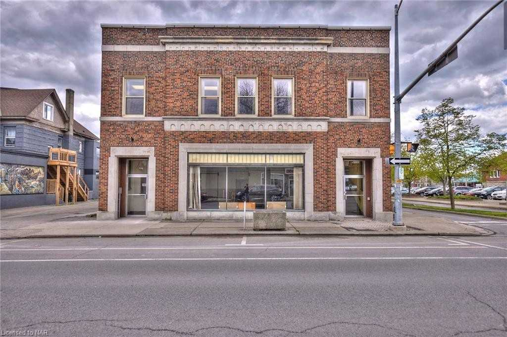 Store W/apt/office For Sale In Welland , ,Store W/apt/office,For Sale,Division