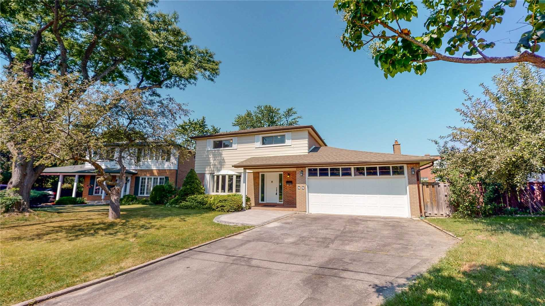 Detached house For Sale In Toronto - 44 Gleneagle Cres, Toronto, Ontario, Canada M2J3H3 , 4 Bedrooms Bedrooms, ,3 BathroomsBathrooms,Detached,For Sale,Gleneagle