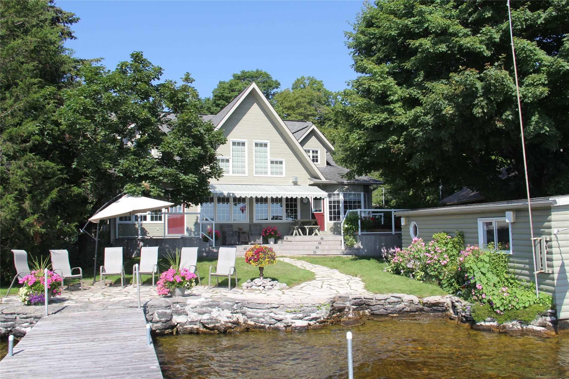Detached house For Sale In Kawartha Lakes - 62 Homewood Park Rd, Kawartha Lakes, Ontario, Canada K0M 2B0 , 3 Bedrooms Bedrooms, ,3 BathroomsBathrooms,Detached,For Sale,Homewood Park