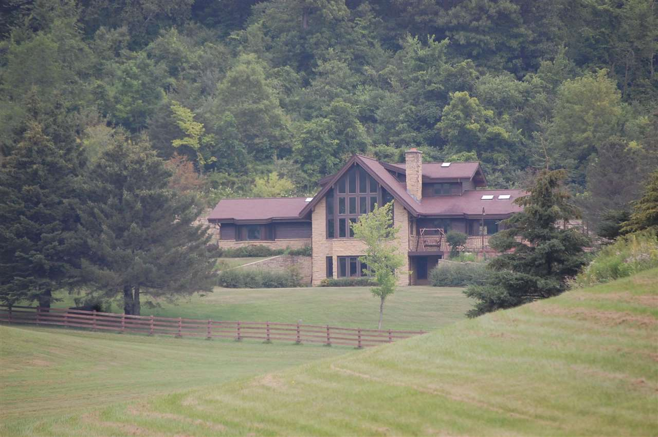 S10475 Cty Hwy G, Bear Creek, Wisconsin 53588, 4 Bedrooms Bedrooms, ,4 BathroomsBathrooms,Single Family,For Sale,Cty Hwy G,1915911