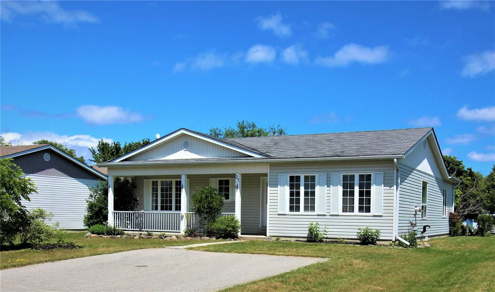 Detached house For Sale In Innisfil - 27 Trellis Lane, Innisfil, Ontario, Canada L9S0A2 , 2 Bedrooms Bedrooms, ,2 BathroomsBathrooms,Detached,For Sale,Trellis