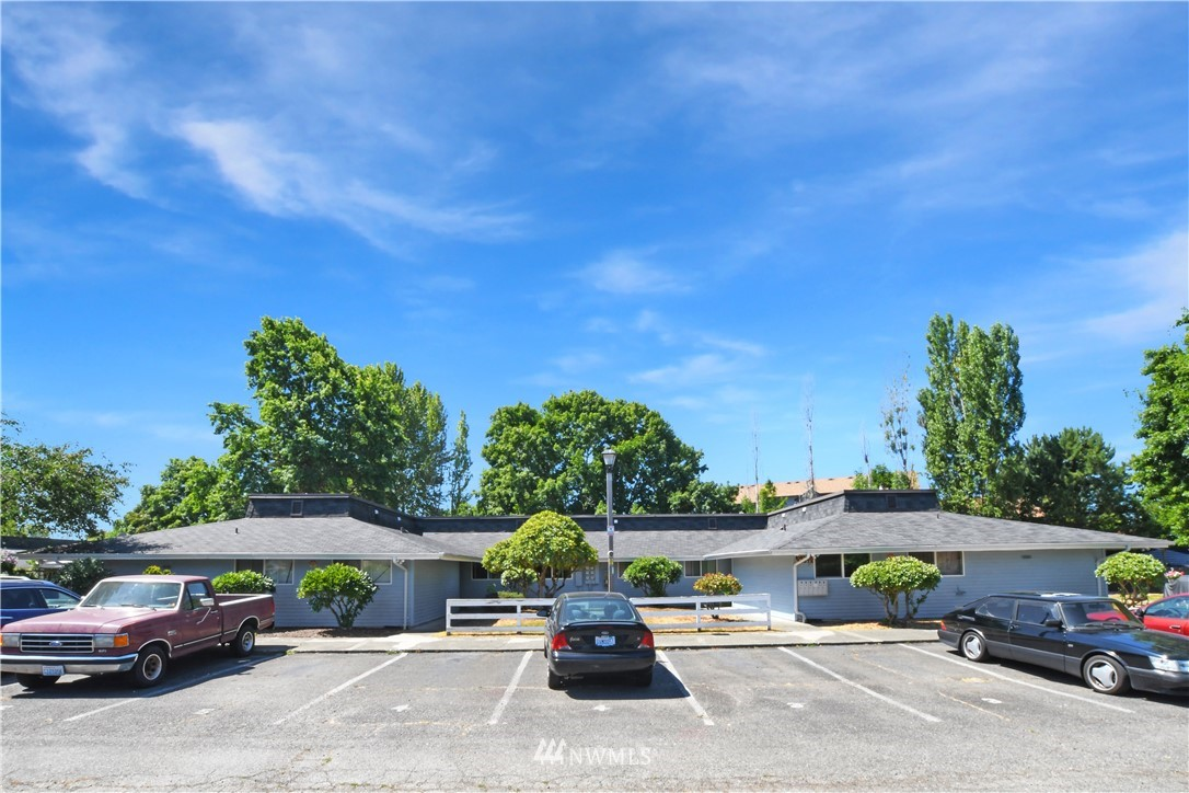 10839 200th Street, Kent, Washington 98031, ,Residential Income,For Sale,200th,NWM1814152