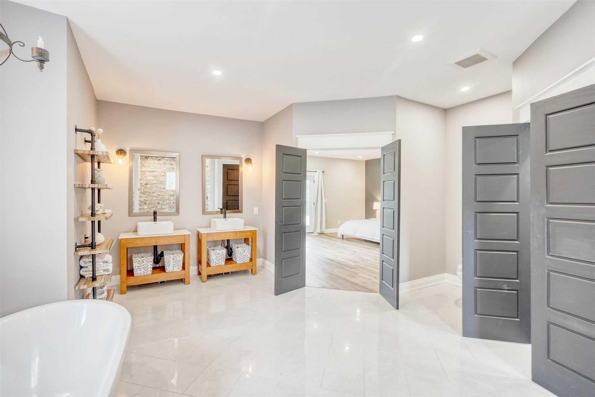 772 Bowmanton Rd, Hamilton Township, Ontario K0K1C0, 4 Bedrooms Bedrooms, 16 Rooms Rooms,4 BathroomsBathrooms,Detached,For Sale,Bowmanton,X5324381