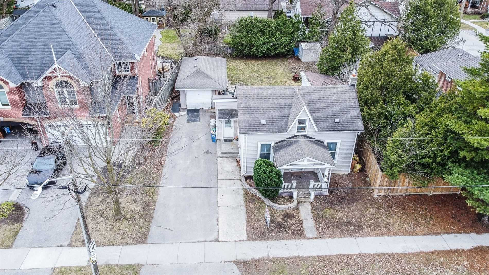 Detached house For Sale In Aurora