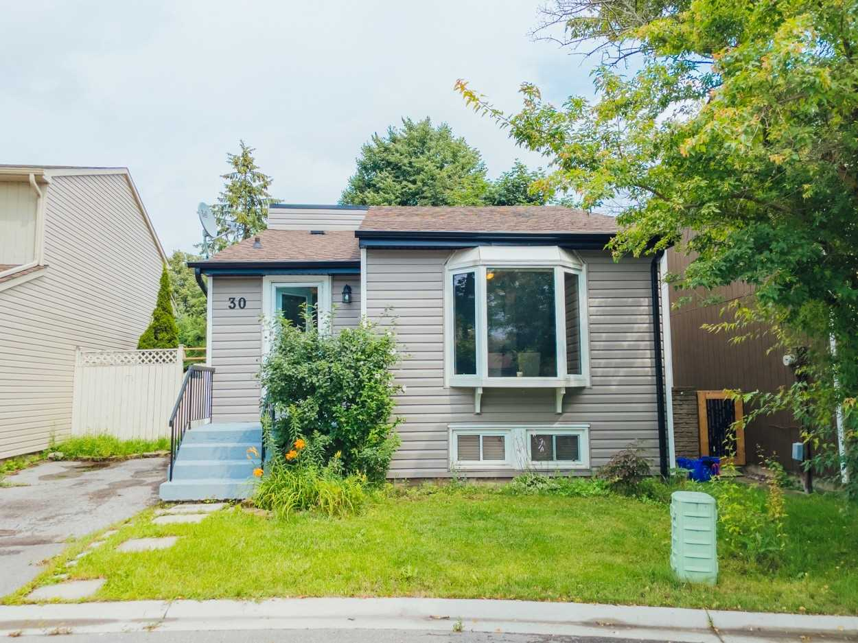 Detached house For Sale In AJAX