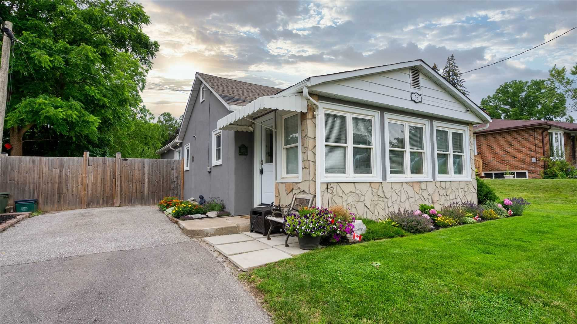 Detached house For Sale In Bradford West Gwillimbury - 56 Moore St, Bradford West Gwillimbury, Ontario, Canada L3Z 2B9 , 3 Bedrooms Bedrooms, ,2 BathroomsBathrooms,Detached,For Sale,Moore