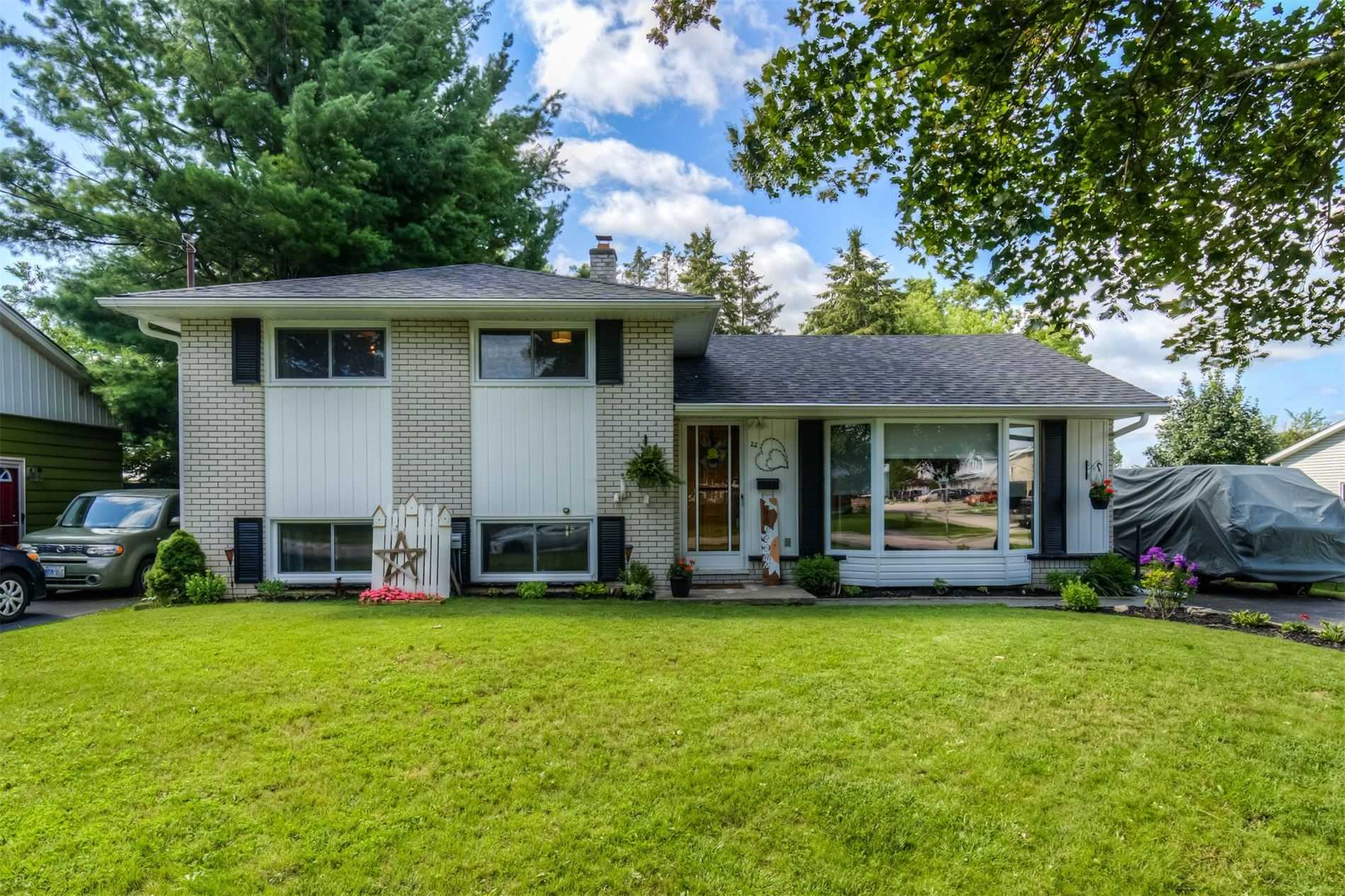 Detached house For Sale In Brant