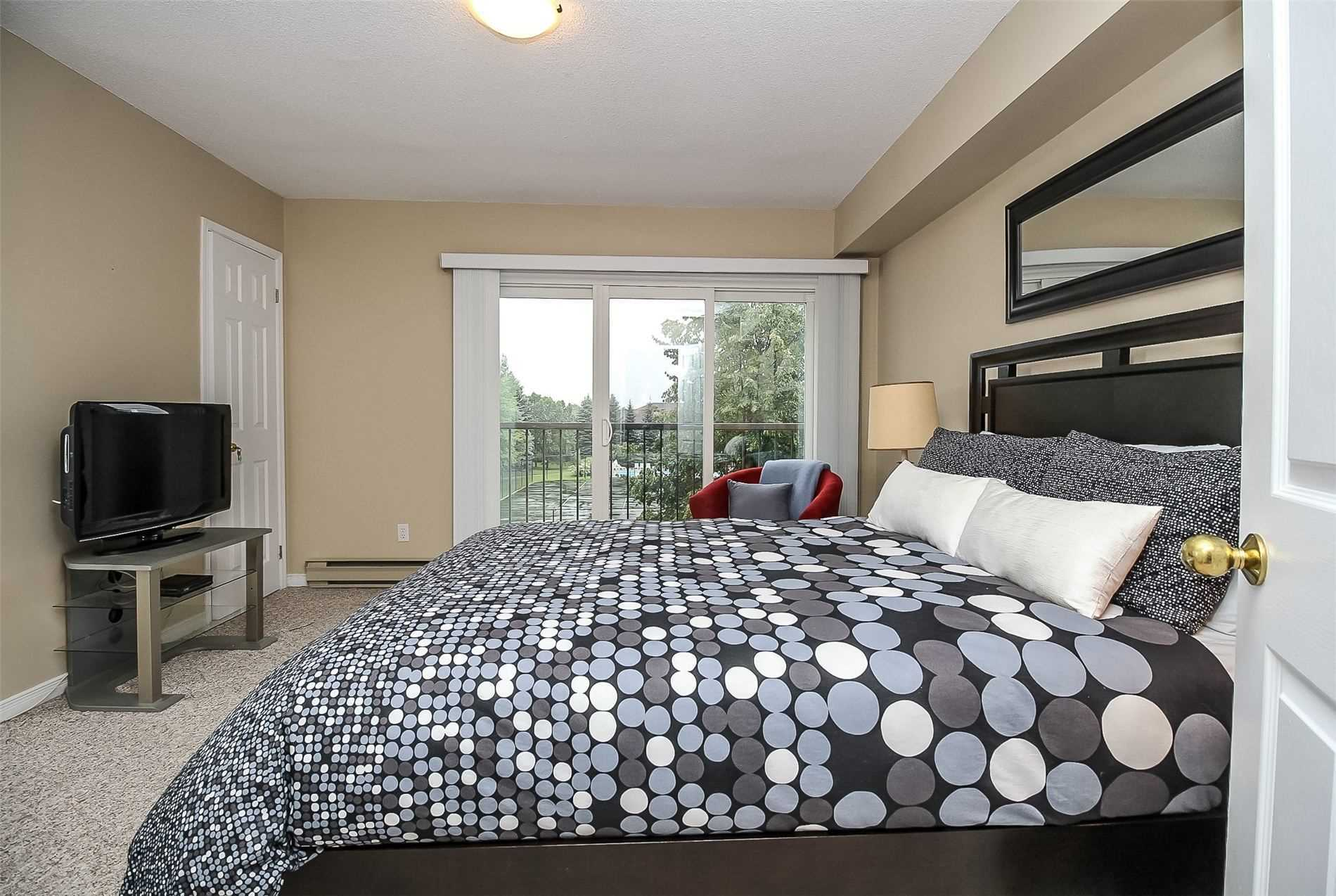 Condo Apt For Sale In Collingwood , 2 Bedrooms Bedrooms, ,2 BathroomsBathrooms,Condo Apt,For Sale,Mariners