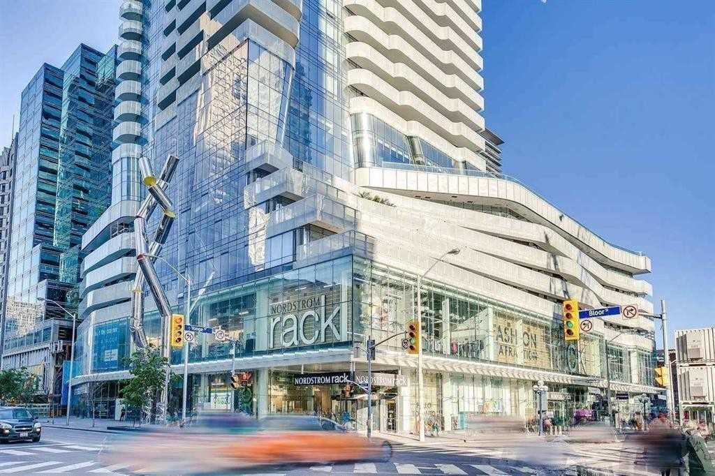 1 Bloor St, Toronto, Ontario M4W1A9, 2 Bedrooms Bedrooms, 8 Rooms Rooms,3 BathroomsBathrooms,Condo Apt,For Sale,Bloor,C5329899