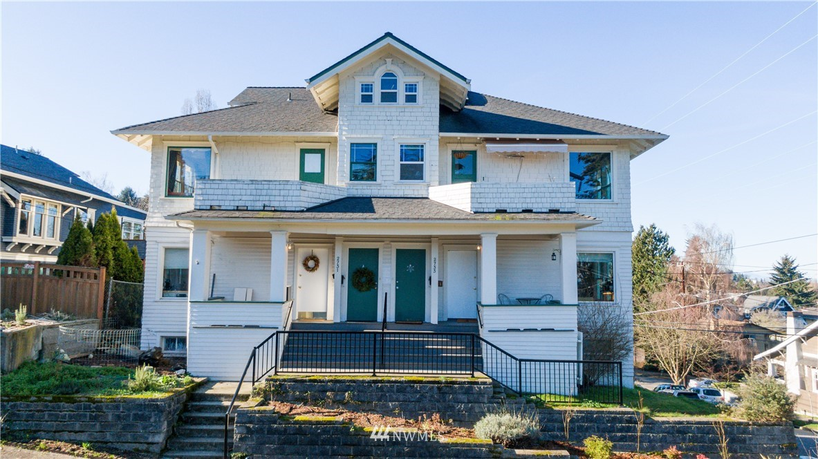 2731 Nob Hill Avenue, Seattle, Washington 98109, ,Residential Income,For Sale,Nob Hill,NWM1820136