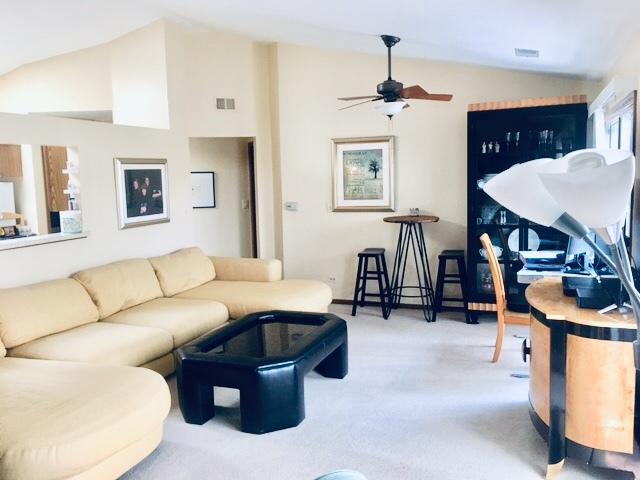 1721 Chesapeake Lane, Schaumburg, Illinois 60193, 2 Bedrooms Bedrooms, ,2 BathroomsBathrooms,Residential,For Sale,Chesapeake,MRD11130180