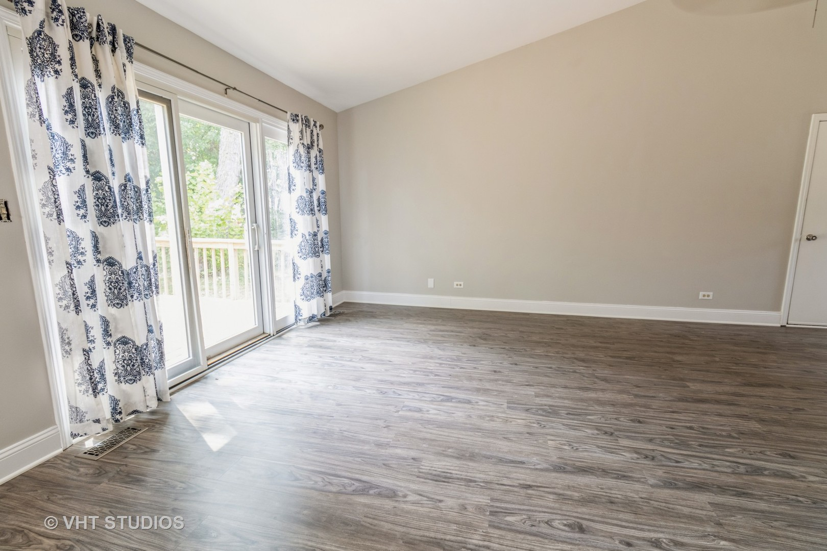 2265 Bannister Lane, Aurora, Illinois 60504, 2 Bedrooms Bedrooms, ,2 BathroomsBathrooms,Residential,For Sale,Bannister,MRD11183396