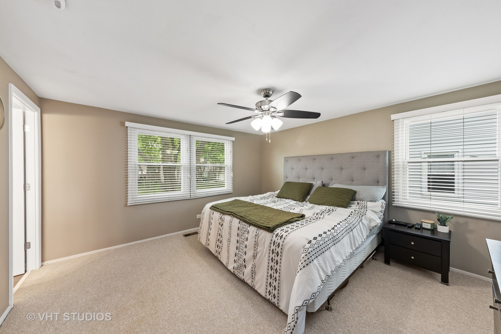 146 Stonegate Road, Buffalo Grove, Illinois 60089, 4 Bedrooms Bedrooms, ,2 BathroomsBathrooms,Residential,For Sale,Stonegate,MRD11131624