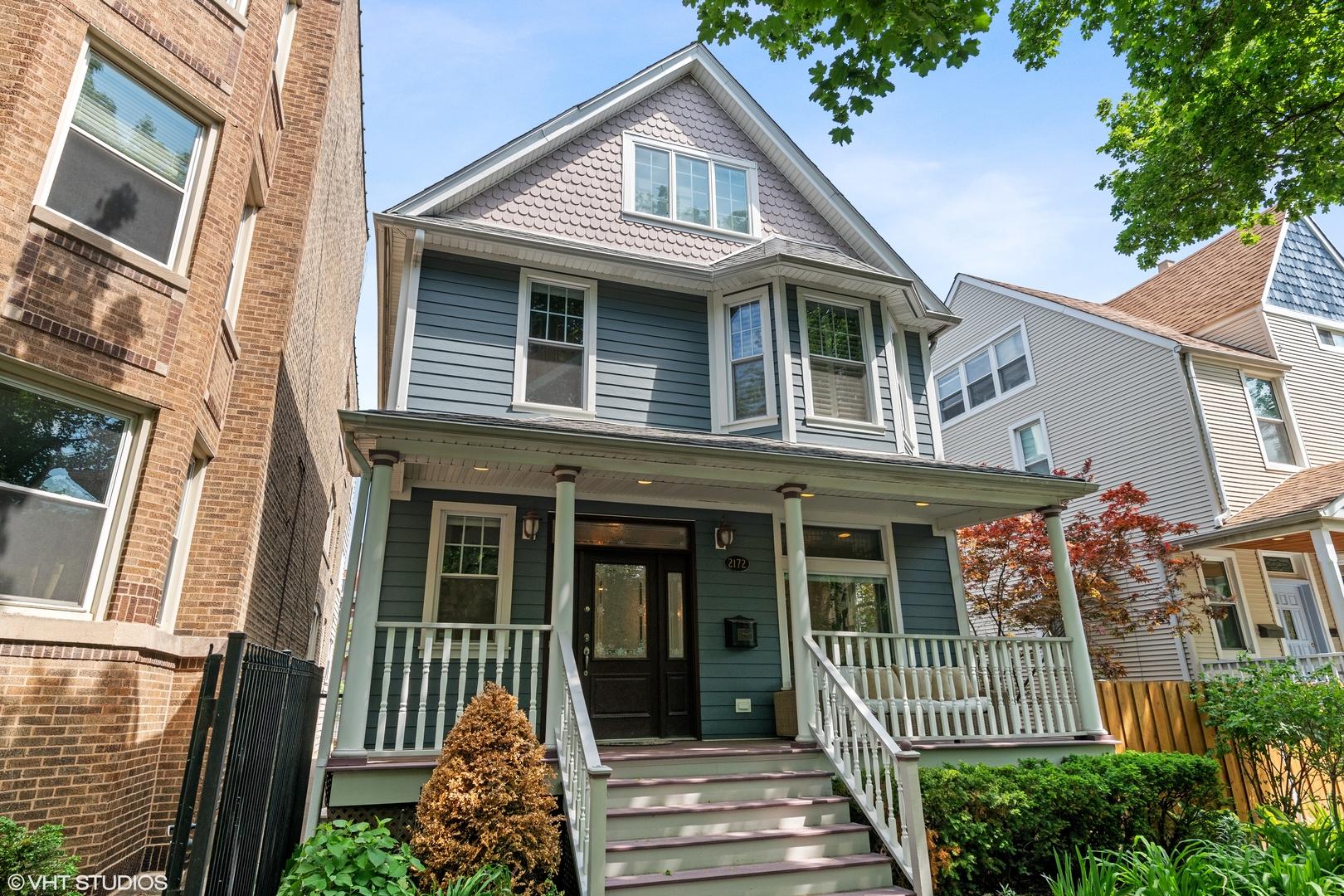 2172 Giddings Street, Chicago, Illinois 60625, 5 Bedrooms Bedrooms, ,3 BathroomsBathrooms,Residential,For Sale,Giddings,MRD11100127