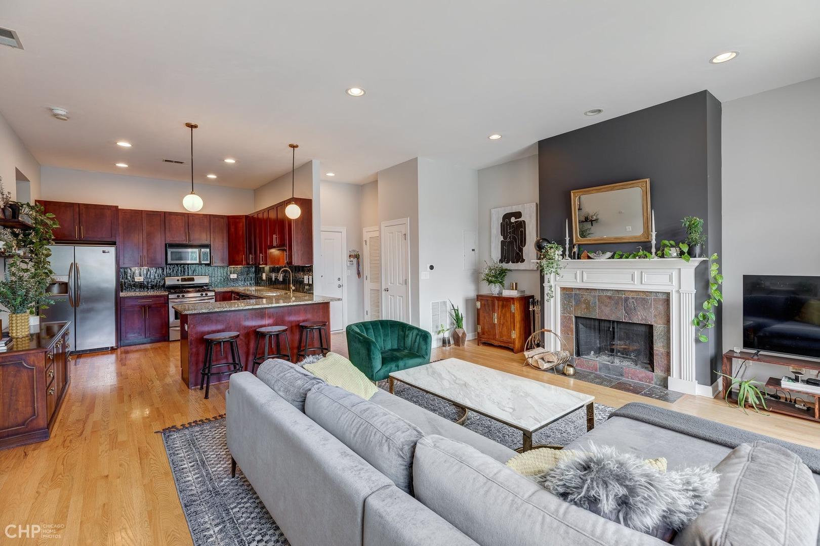 4603 Racine Avenue, Chicago, Illinois 60640, 2 Bedrooms Bedrooms, ,2 BathroomsBathrooms,Residential,For Sale,Racine,MRD11180764