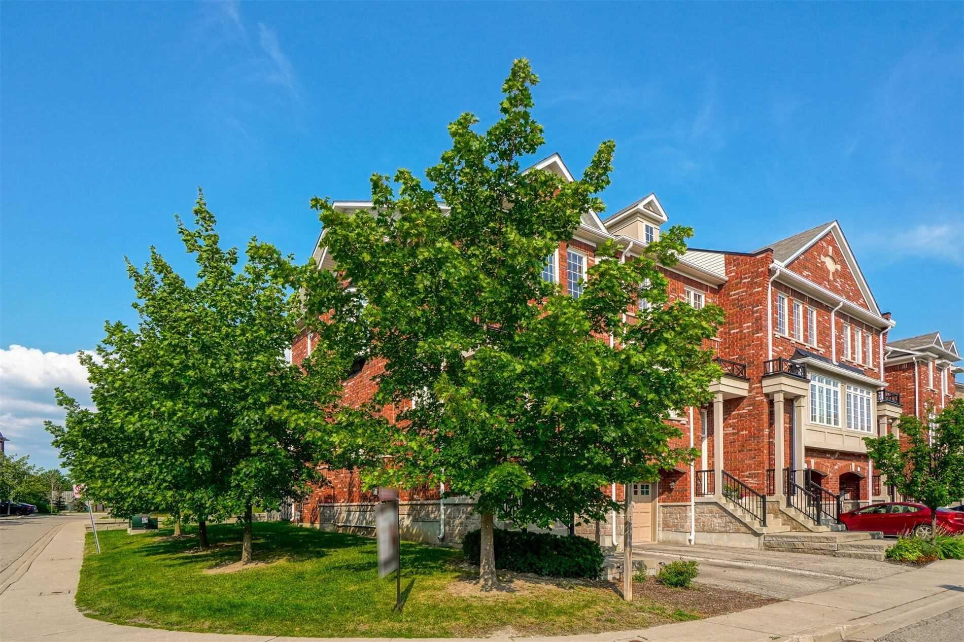7233 Triumph Lane, Mississauga, Ontario L5N0C5, 3 Bedrooms Bedrooms, 8 Rooms Rooms,3 BathroomsBathrooms,Condo Townhouse,For Sale,Triumph,W5334848