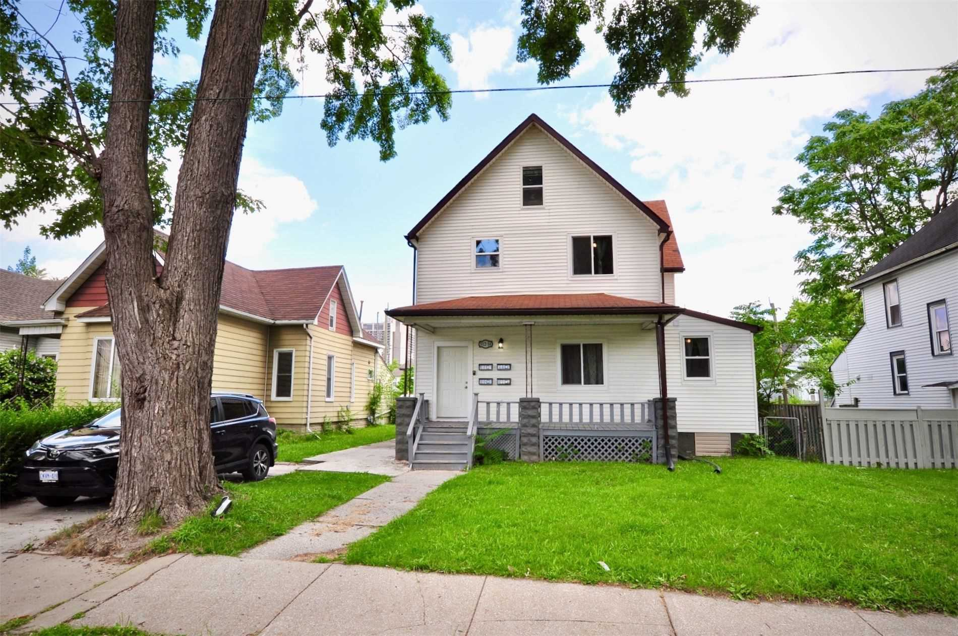 512-514 Caron Ave, Windsor, Ontario N9A 5B4, 9 Bedrooms Bedrooms, 13 Rooms Rooms,4 BathroomsBathrooms,Triplex,For Sale,Caron,X5336689