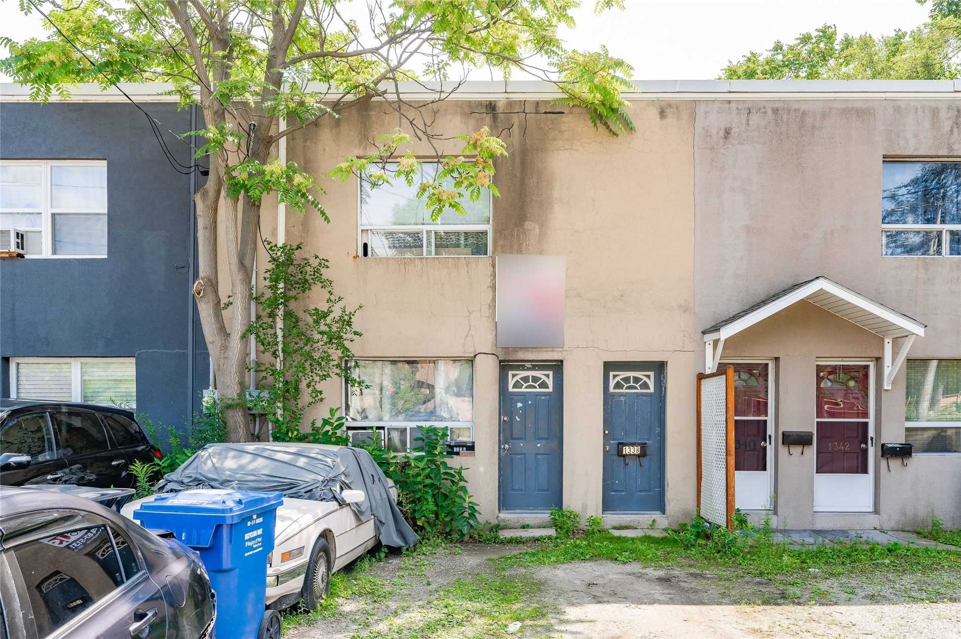 Duplex For Sale In Mississauga , 4 Bedrooms Bedrooms, ,2 BathroomsBathrooms,Duplex,For Sale,Lakeshore