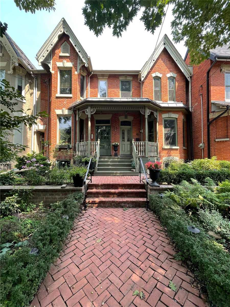 Att/row/twnhouse For Lease In Toronto , 3 Bedrooms Bedrooms, ,2 BathroomsBathrooms,Att/row/twnhouse,For Lease,Sumach