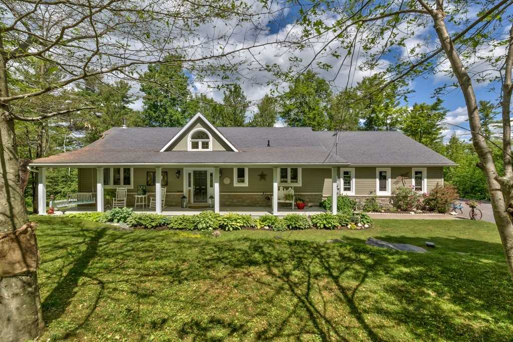Detached house For Sale In North Frontenac - 1947 Grindstone Lake Rd, North Frontenac, Ontario, Canada K0H 2M0 , 3 Bedrooms Bedrooms, ,3 BathroomsBathrooms,Detached,For Sale,Grindstone Lake